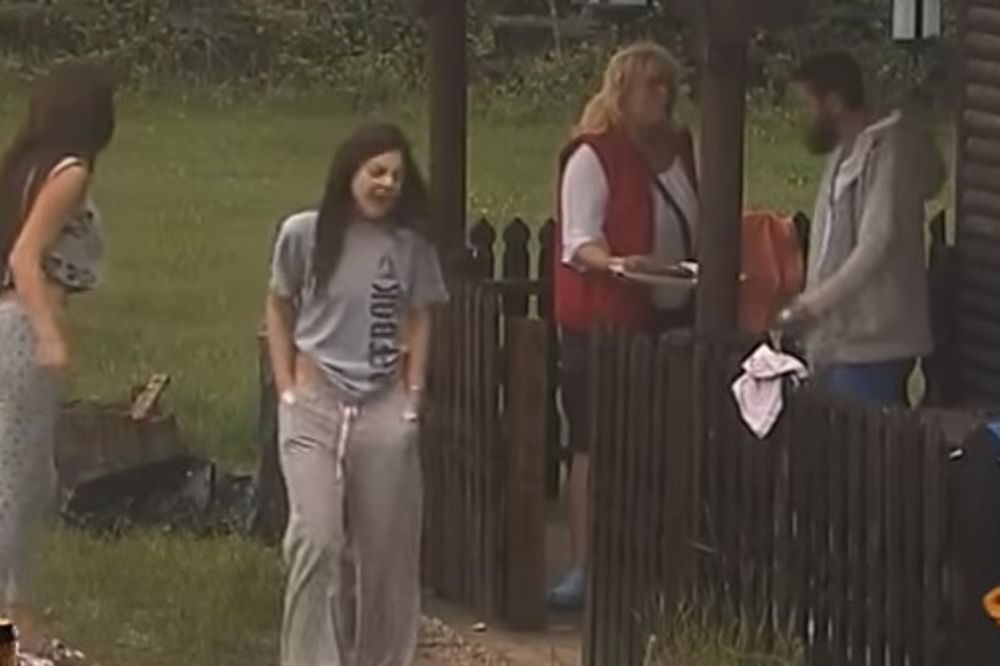 (VIDEO) PA ZAR I DANAS? Žestoka svađa na Farmi i to zbog krađe!