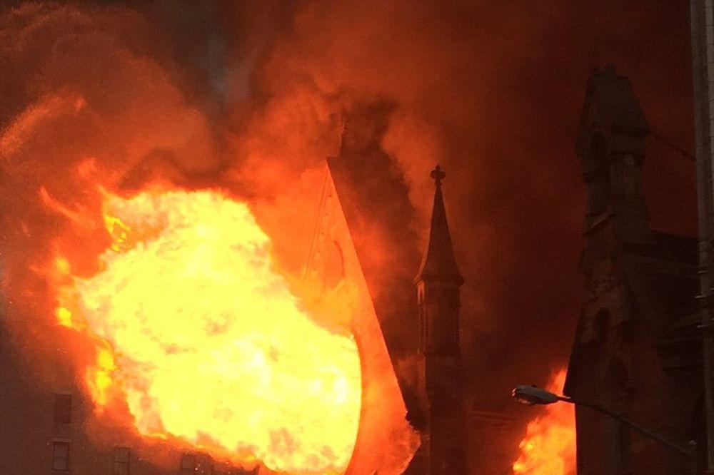 NJUJORŠKI VATROGASCI TVRDE: Požar u kome je izgorela crkva Svetog Save je sumnjivog porekla!