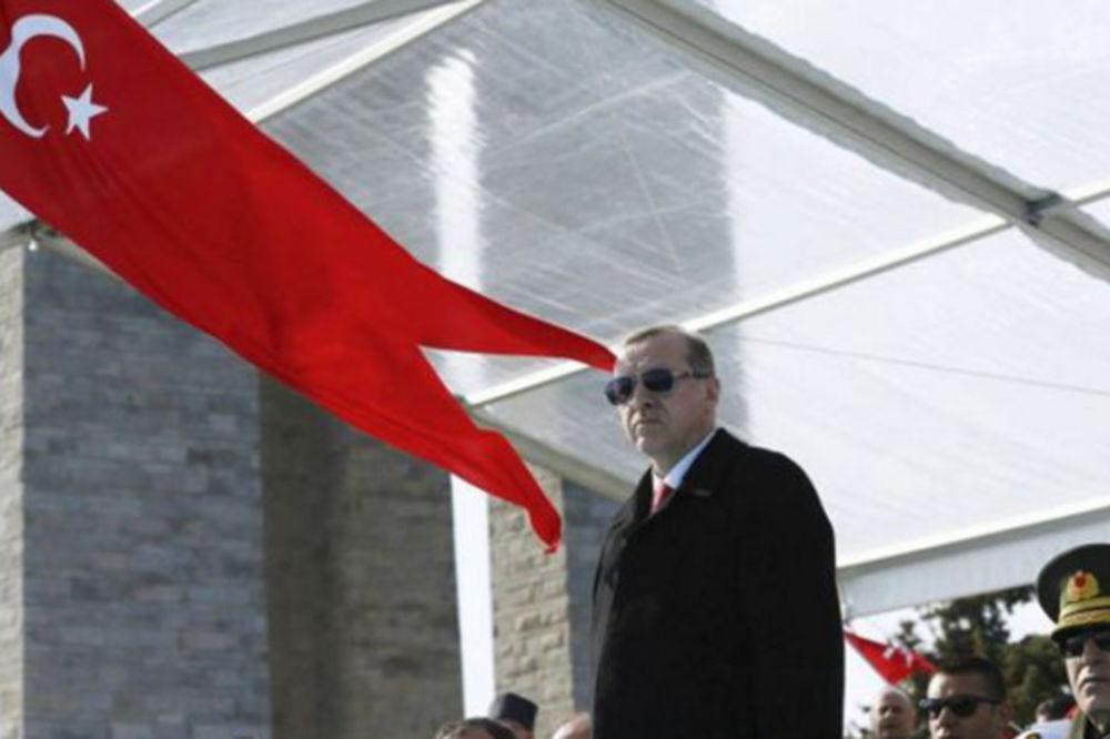 ERDOGAN OPTUŽUJE: NATO šalje oružje teroristima umesto Turskoj