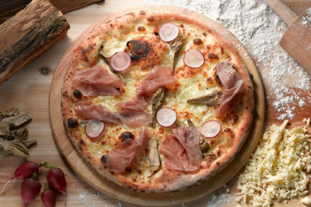 Recept za kojim su poludele domaćice: Testo za picu od samo tri sastojka!