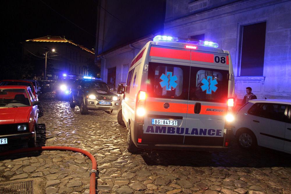 (KURIR TV) MIGRANTI IZAZVALI VELIKI POŽAR NA KOSANČIĆEVOM VENCU: Jedna osoba teško povređena!