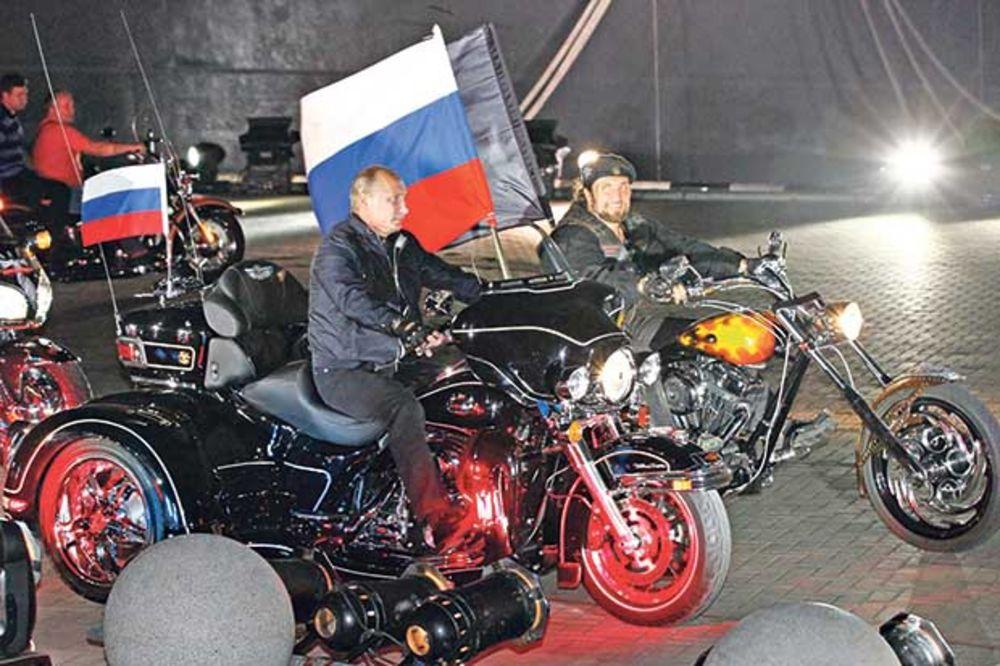 RAT ŽIVACA: Putinovi bajkeri osvojili Poljsku!