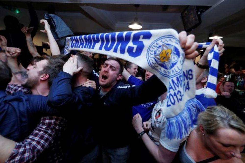 (VIDEO) LUDNICA U LESTERU: Evo kako su navijači proslavili istorijsku titulu!