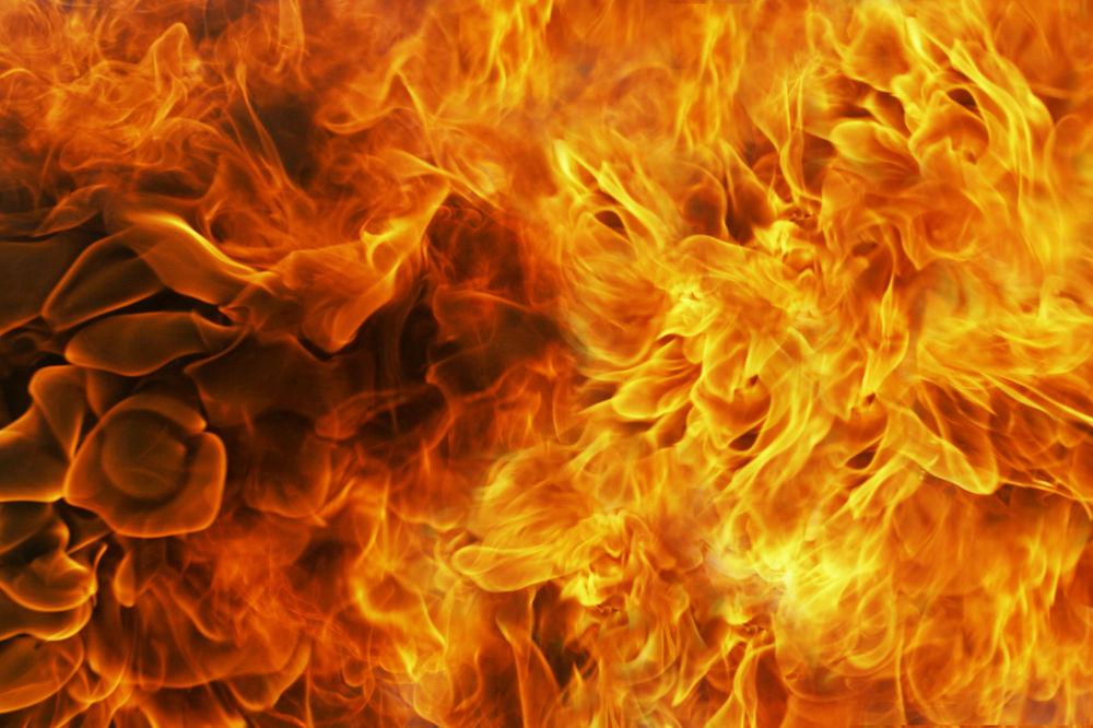 NAPAD NA POVRATNIKE NA KOSMETU: Porodici Radojević zapaljeno hiljadu bala sena