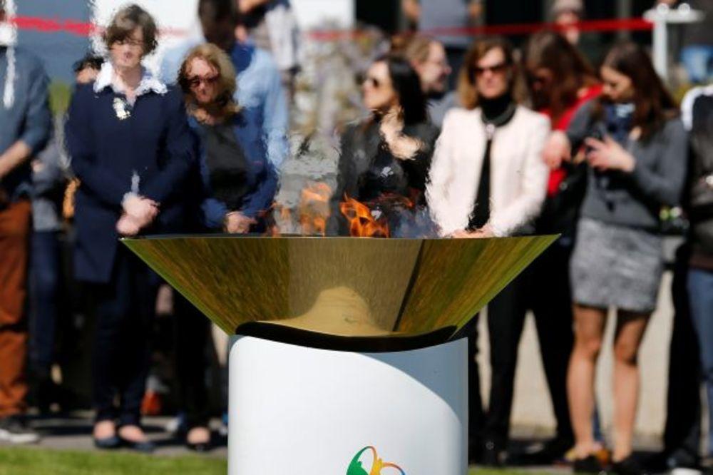 (VIDEO) TRI MESECA PRE POČETKA OI: Olimpijski plamen stiže u glavni grad Brazila