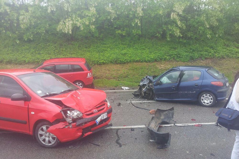 KARAMBOL KOD MLADENOVCA: 6 povređeno u sudaru 4 vozila