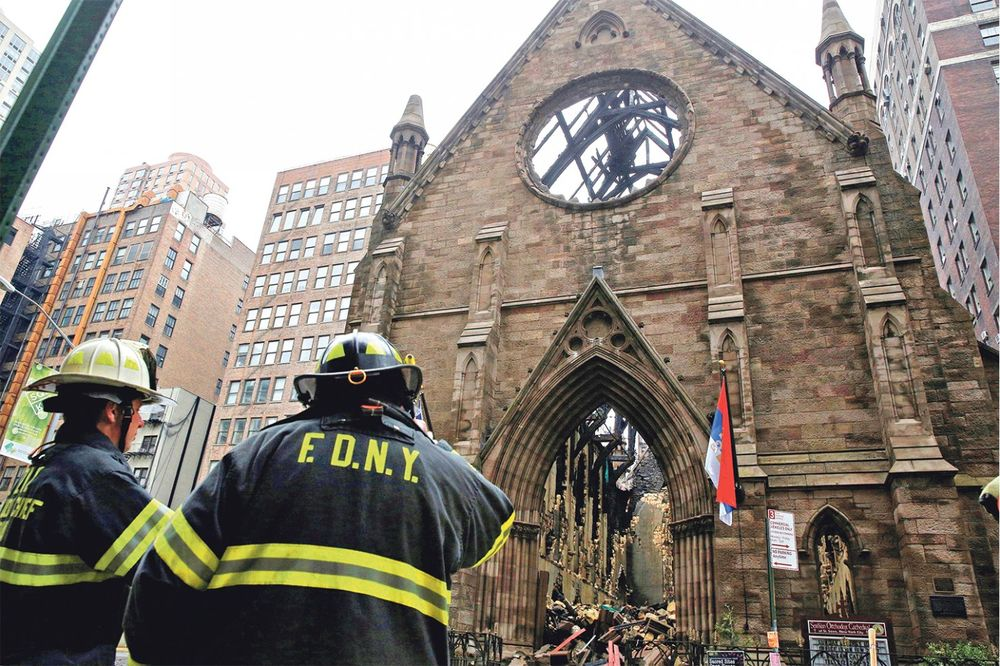 KRIMINALNA POZADINA ZLOČINA: Albanska mafija zapalila srpsku crkvu u Njujorku?!