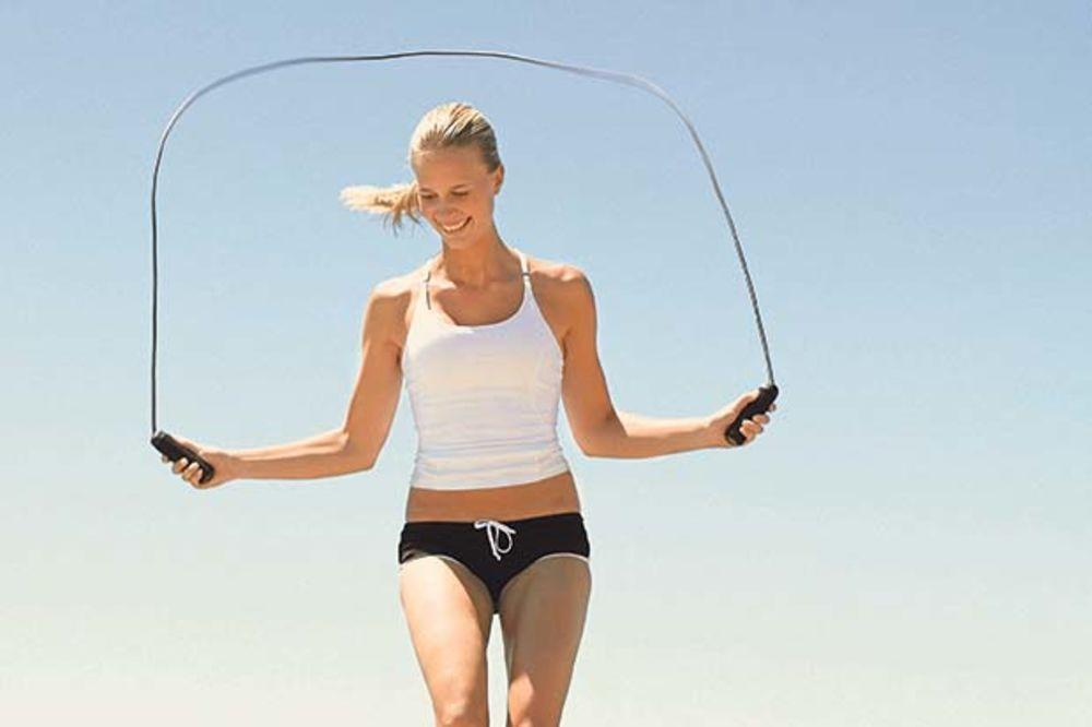Preskakanje konopca najbolja vežba za telo
