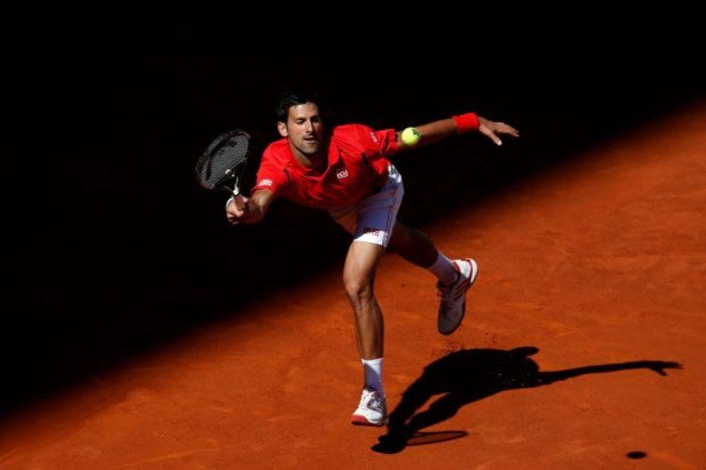 PAKAO VEČNOG GRADA: Đokovića na putu ka tituli u Rimu čekaju Nadal, Federer, pa Marej