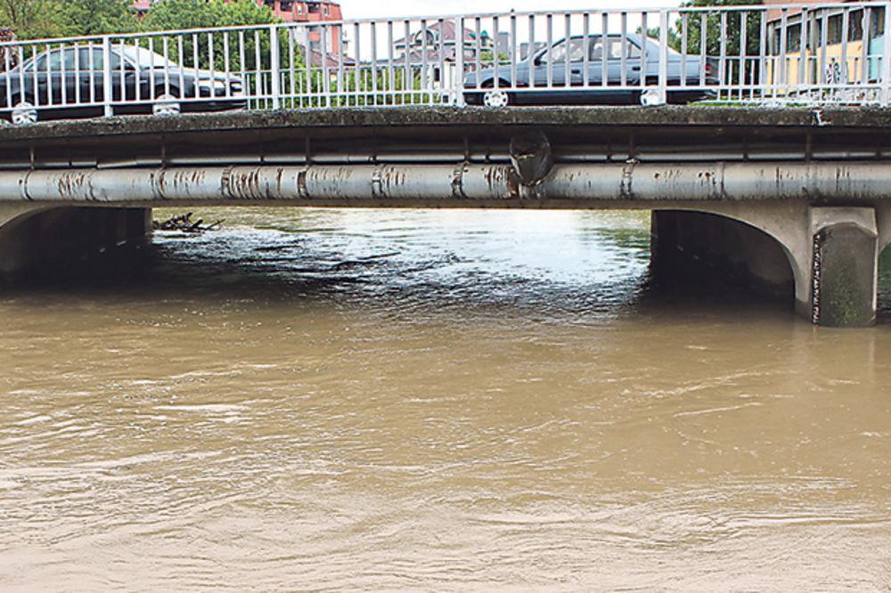 Bjelica se izlila po 12. put, ljudi se plaše da ne poplavi put