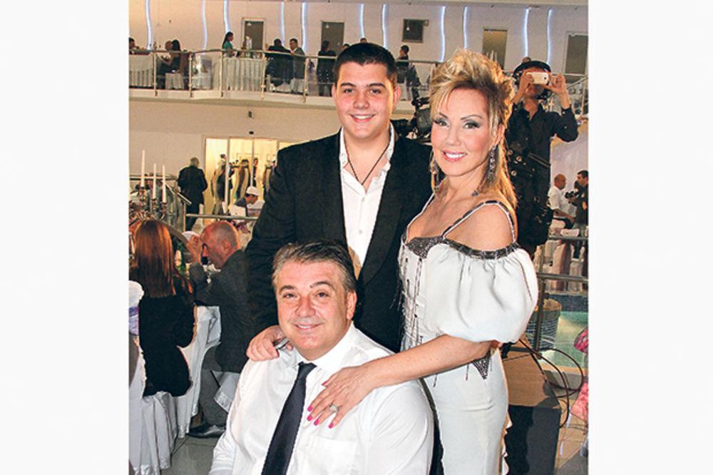 ŠIROKO: Lepa Brena kupuje sinu apartman od 100.000 evra