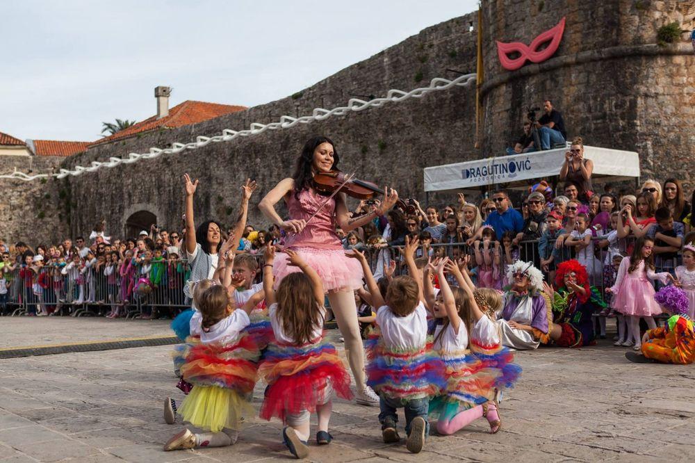 OTVARANJE LETNJE SEZONE Počinje karneval u Budvi