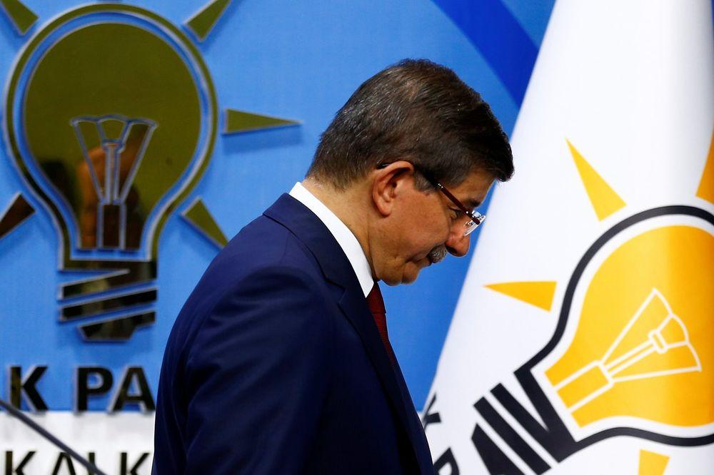 RAZLAZ: Ahmet Davutoglu podneo ostavku na funkciju premijera Turske