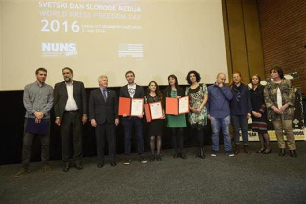 NEMA DEMOKRATIJE BEZ SLOBODNIH MEDIJA: Nagrade za istraživačko novinarstvo RTS-u, Vremenu i KRIK-u