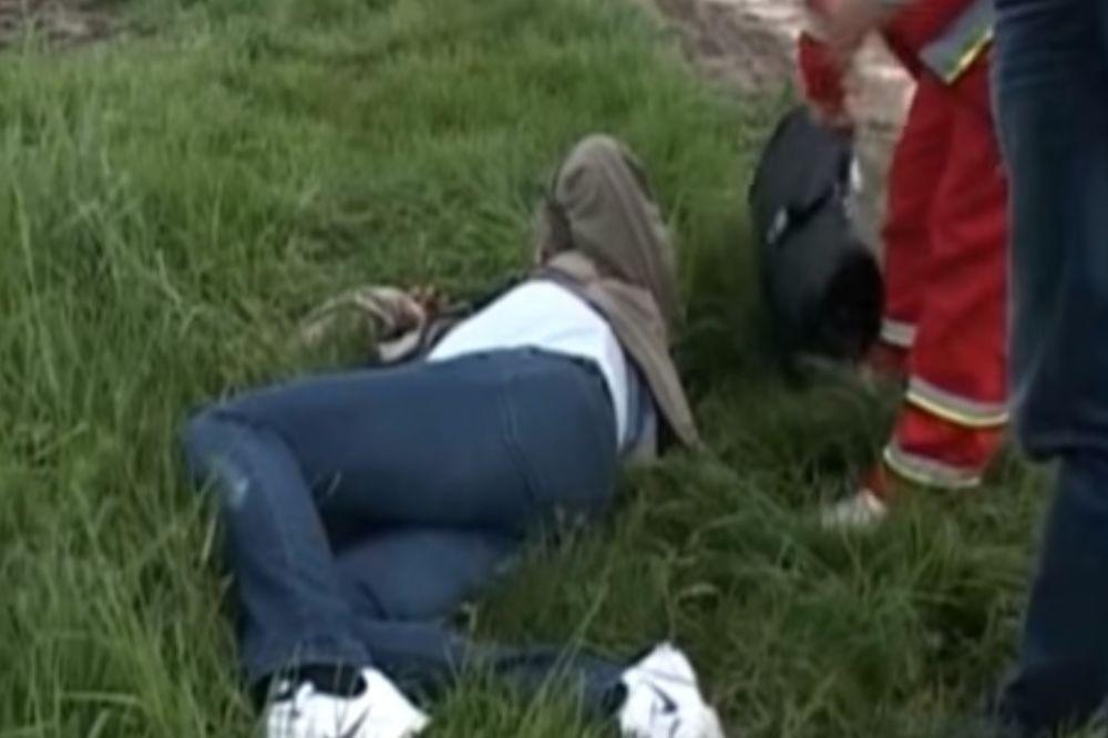 (VIDEO) BAHATOST BEZ GRANICA: Sin lokalnog tajkuna kombijem pregazio novinara