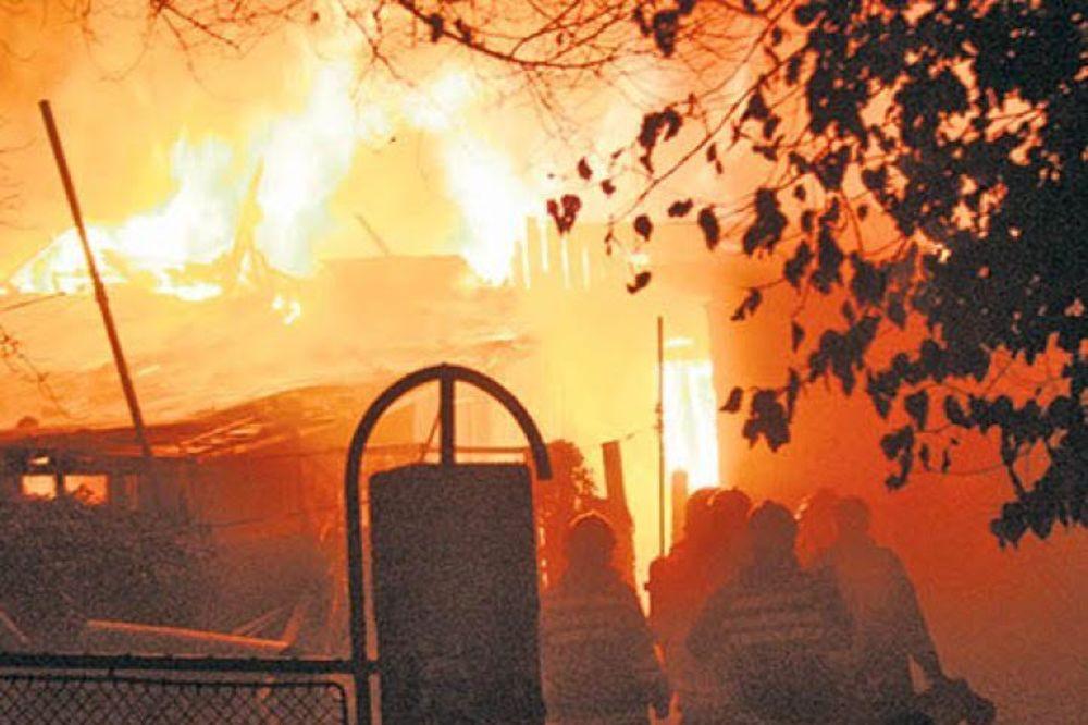 TRAGEDIJA: Preminuo mladić (20) povređen u požaru u Tutinu