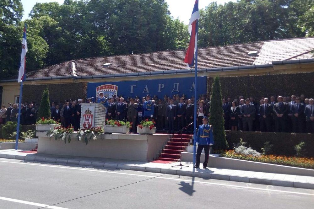 (KURIR TV) ĐURĐEVDAN U KASARNI DEDINJE: Garda Vojske Srbije obeležila 186 rođendan