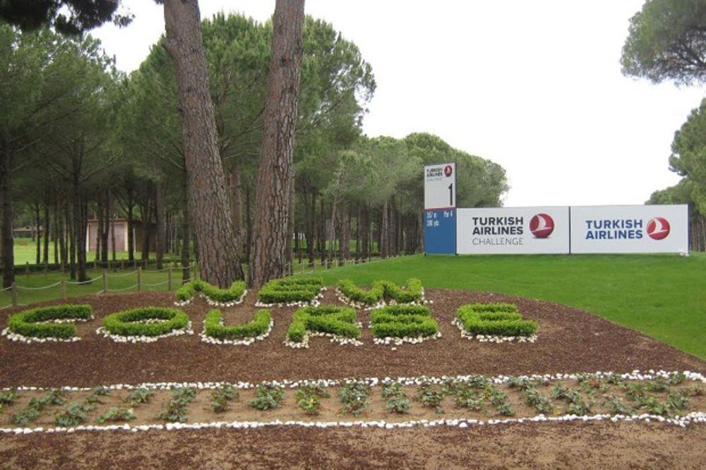 (FOTO) UZBUDLJIVO U BELEKU: Pavon isped svih, novinari u školi golfa