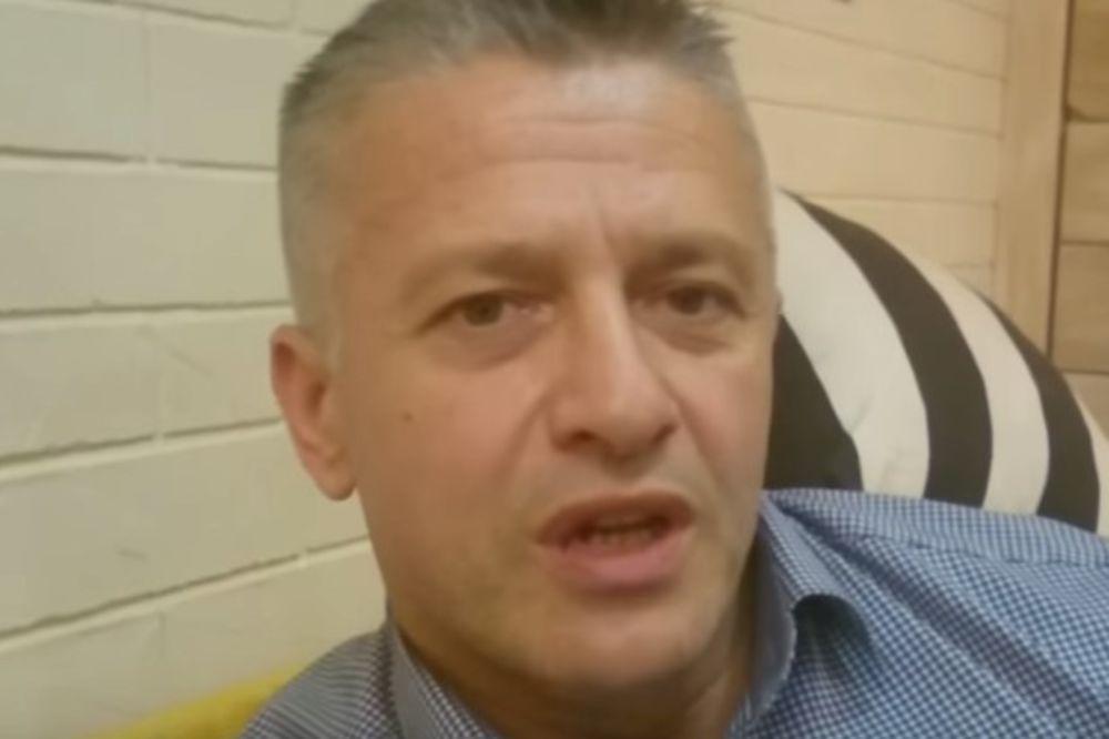 (VIDEO) SKANDAL: Ratni zločinac Naser Orić poselamio navijače Novog Pazara