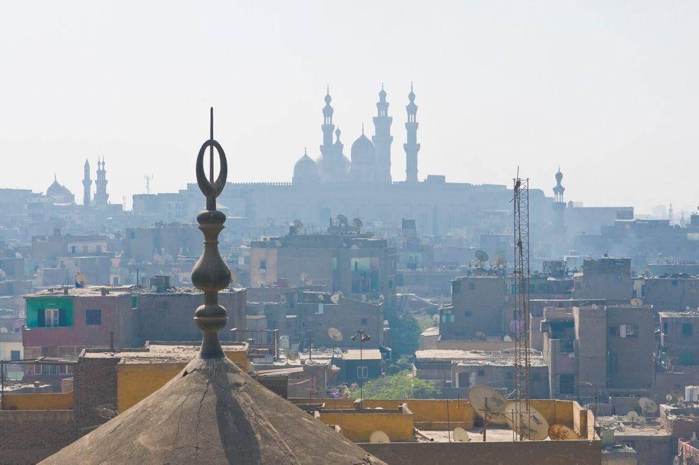 ODAVANJE TAJNIH DOKUMENATA: Smrtne kazne za tri novinara u Egiptu