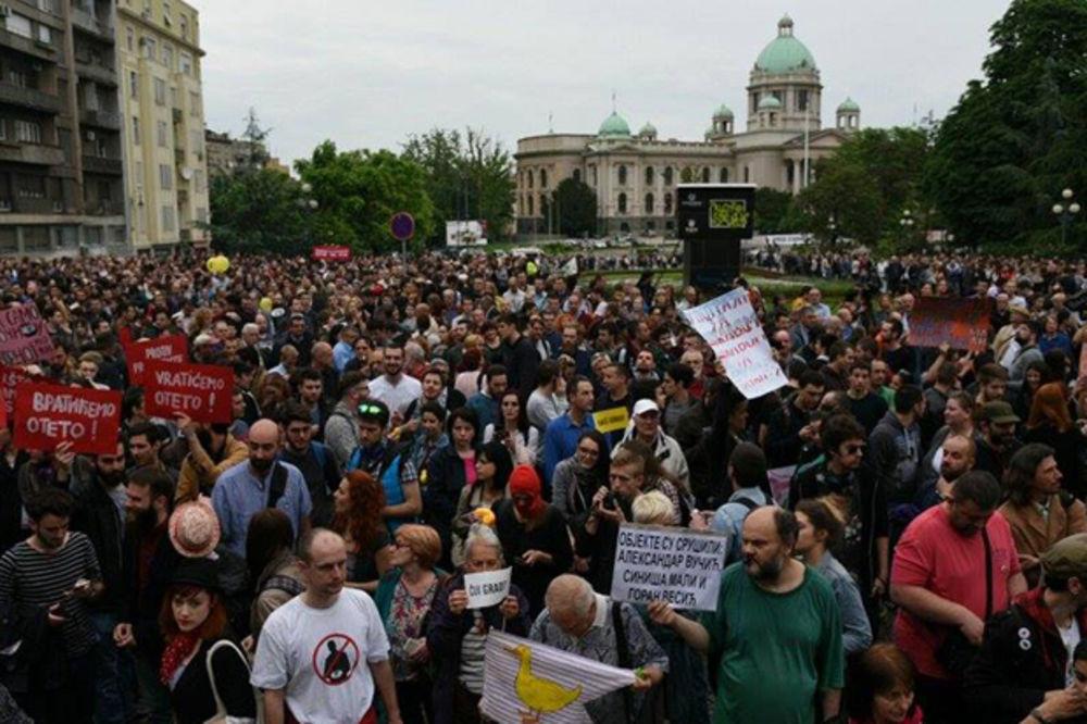 Protest Ne da(vi)mo Beograd zbog prinudnog iseljavanja porodice Timotijević