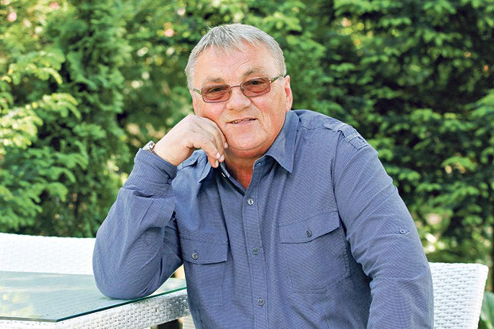ZORAN KALEZIĆ (67) SE TAJNO VENČAO: Pevač se oženio 14 godina mlađom  inženjerkom