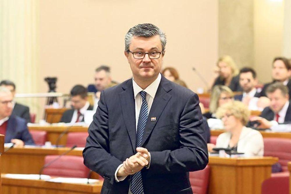 BURA REAKCIJA: U Hrvatskoj se podigli duhovi zato što je Orešković pozvao Vučića na forum