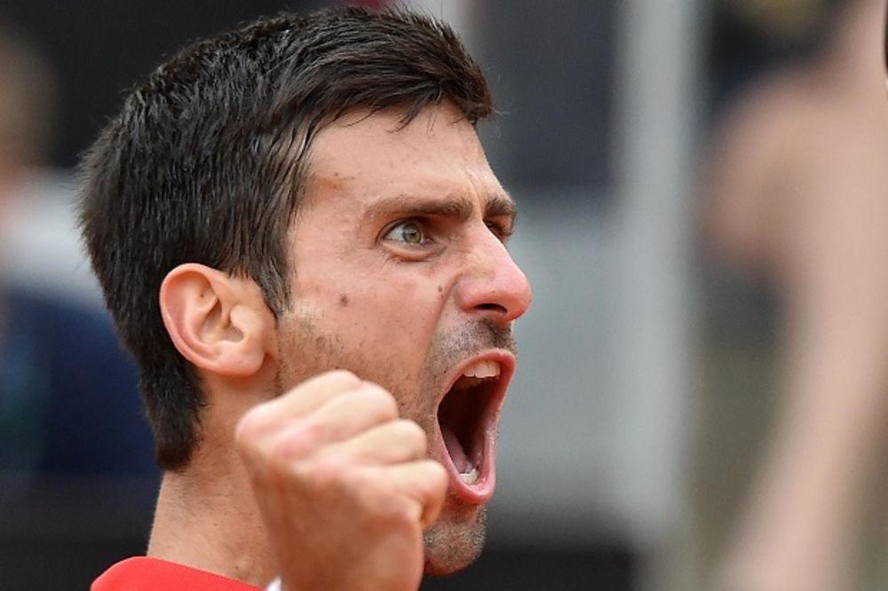 (VIDEO) NOVAK ČELIČNIH ŽIVACA: Evo zašto se Đoković zahvalio vetru posle pobede nad Nadalom
