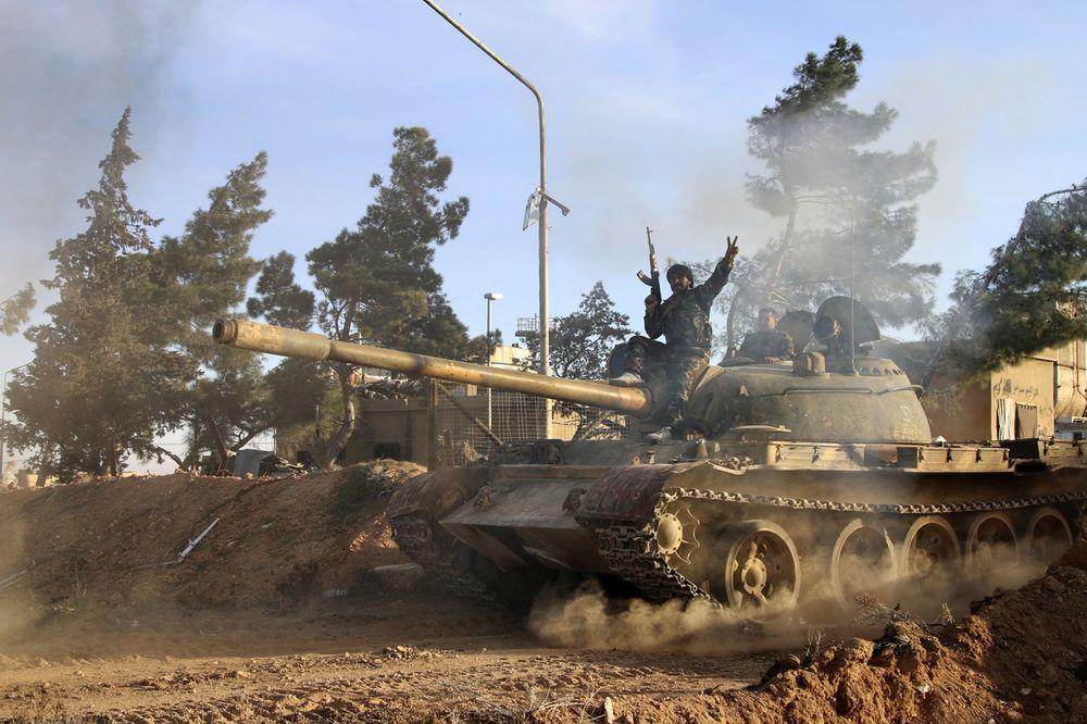 BORBE U SIRIJI: Islamisti napreduju na severu zemlje, zarobljeno 160.000 civila