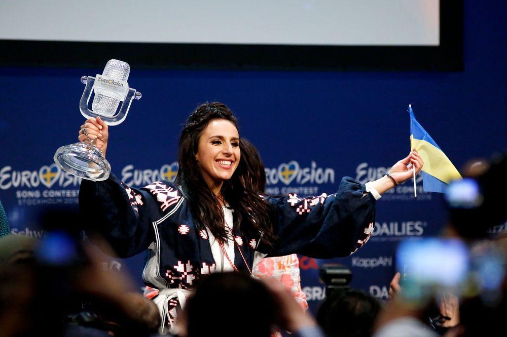 NOVA PROVOKACIJA ŠARLI EBDOA: Ukrajinsku pobednicu Evrosonga nacrtali kao prase
