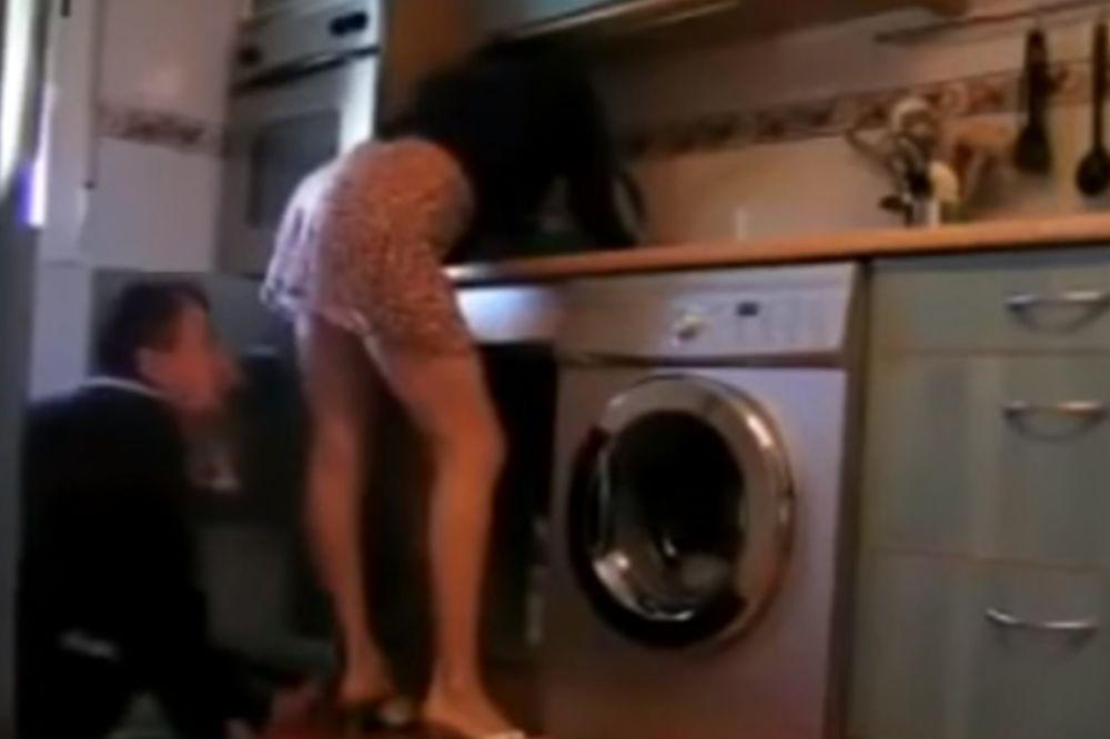 (VIDEO) DA PREGLEDAM ČESMU? Muž uhvatio ženu kako zavodi vodoinstalatera!