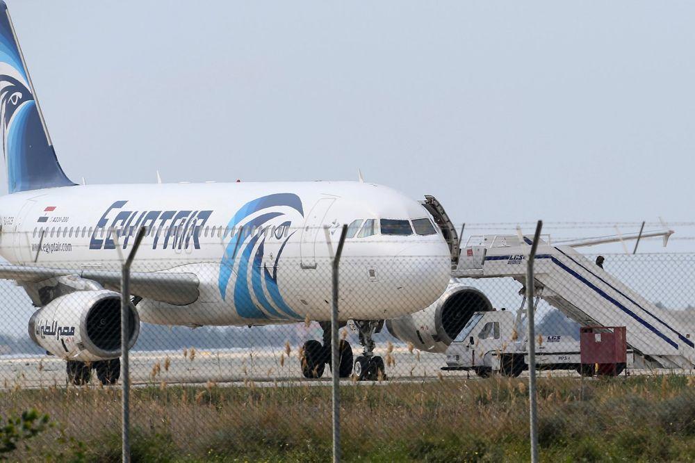 EGIPAT DEMANTUJE GRČKU: Avion nije menjao pravac pre nego što je nestao!