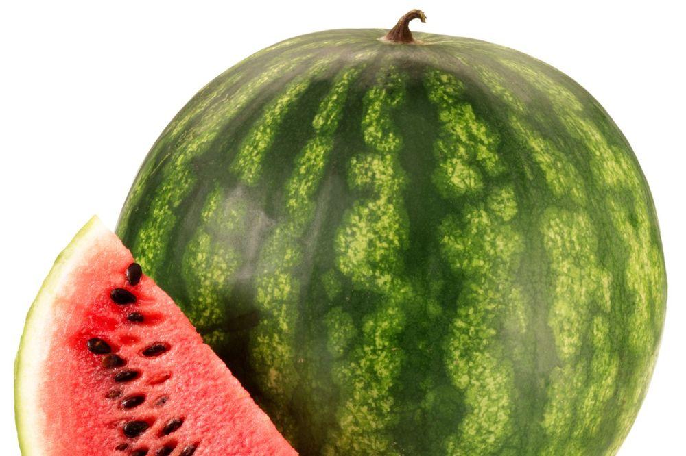 DA LI ZNATE DA ODABERETE ONU PRAVU: Sve što niste znali o lubenicama  Zabava...