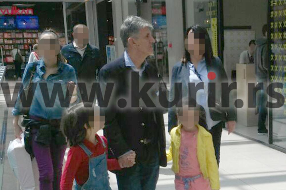 KURIROV PAPARACO Svetozar Marović pravo iz zatvora u Beograd u šoping