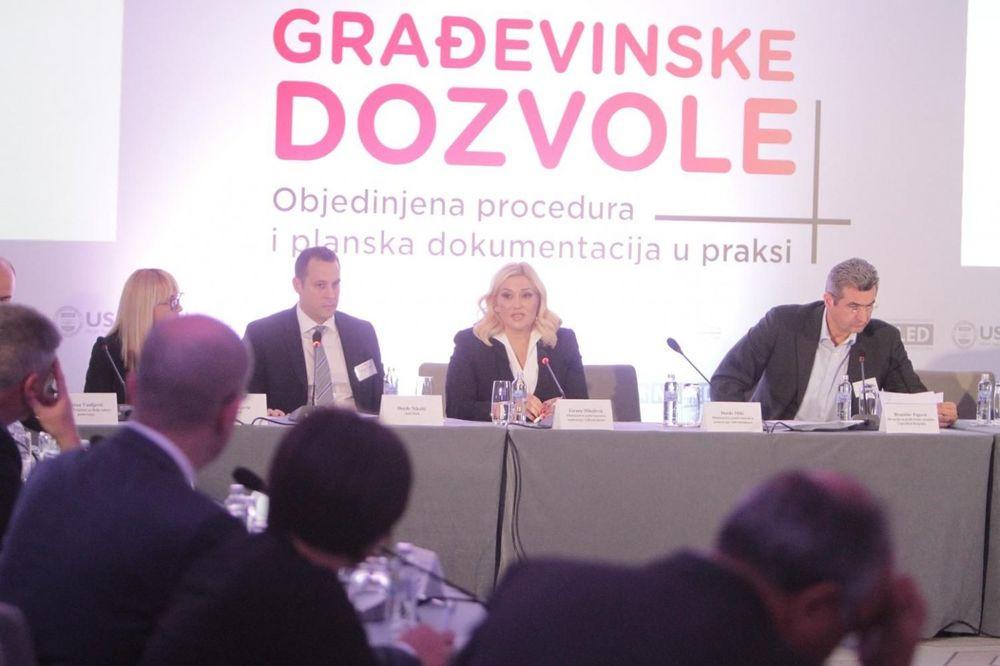 Mihajlovićeva: Zakon o ozakonjenju nije donet da se ruše objekti