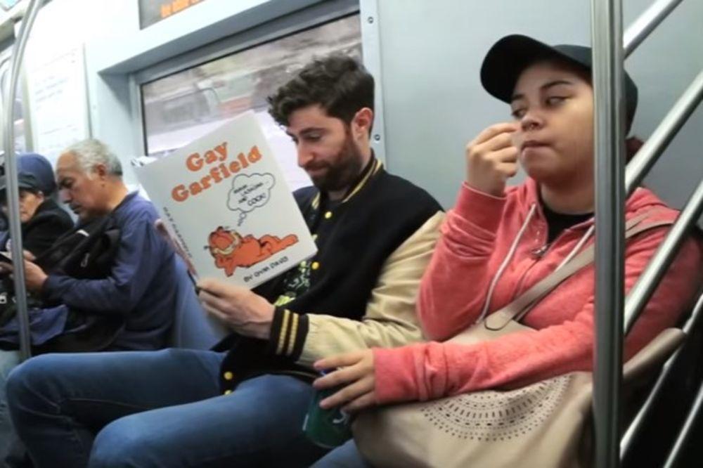 (VIDEO) KOMEDIJA U GRADSKOM PREVOZU: Pogledajte zašto su svi ljudi s nevericom gledali u njega