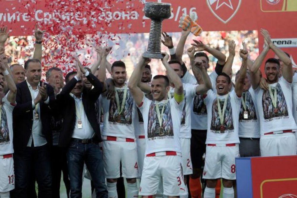 (VIDEO) SPEKTAKL ZA KRAJ: Zvezda protiv Radničkog trijumfalno završila šampionsku sezonu