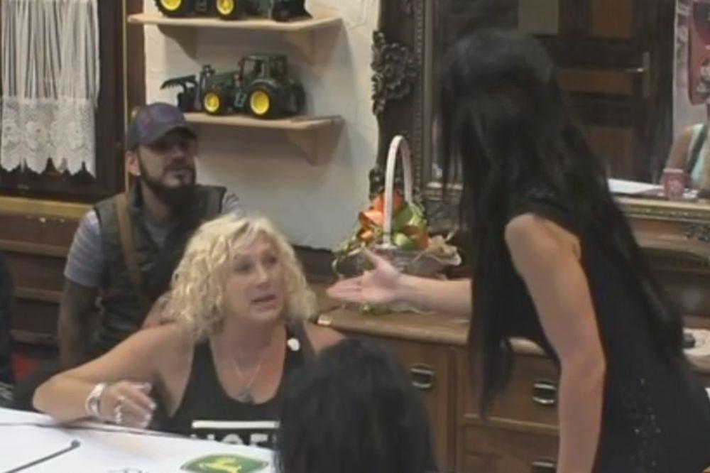 (VIDEO) DUŠICA I MARINA OZBILJNO ZARATILE: Ti si dupljak, nemoj da mi se obraćaš više!