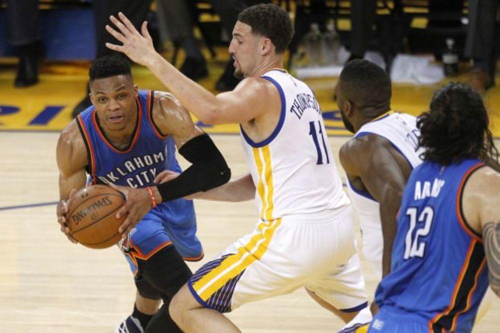 (VIDEO) GROM ZGROMIO RATNIKE: Oklahoma deklasirala i ponizila aktuelne šampione NBA lige