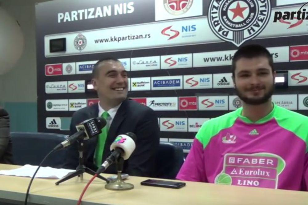 (VIDEO) ZBUNIO SE: Košarkaš Mege Nikola Janković pomešao Crvenu zvezdu i FMP