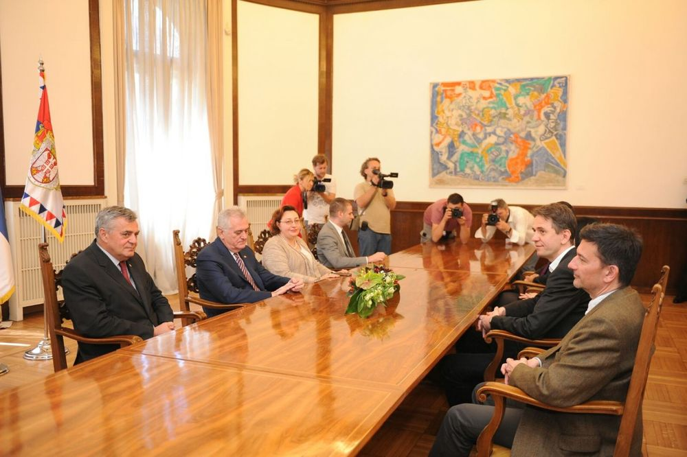 DOSTA JE BILO: Nikolić saglasan da uvede praksu češćih susreta sa opozicijom