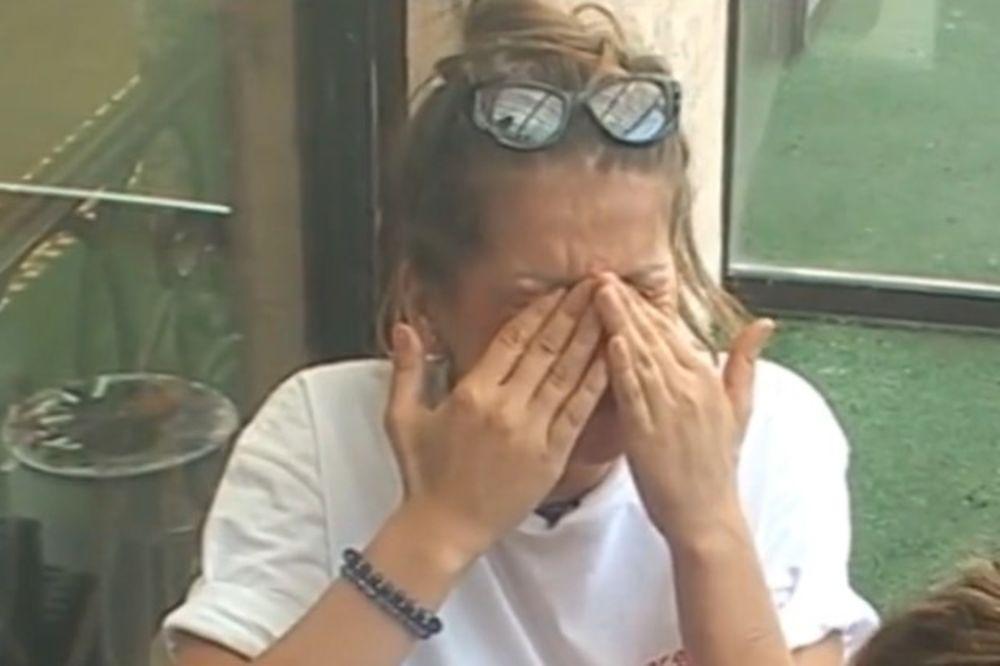 NIKO NIJE MOGAO DA JE SMIRI: Dalila urlala i obarala stolice, a onda u suzama...