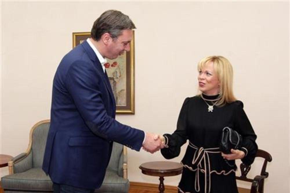 JAČATI KULTURNU SARADNJU: Vučić primio albansku opersku pevačicu Invu Mulu