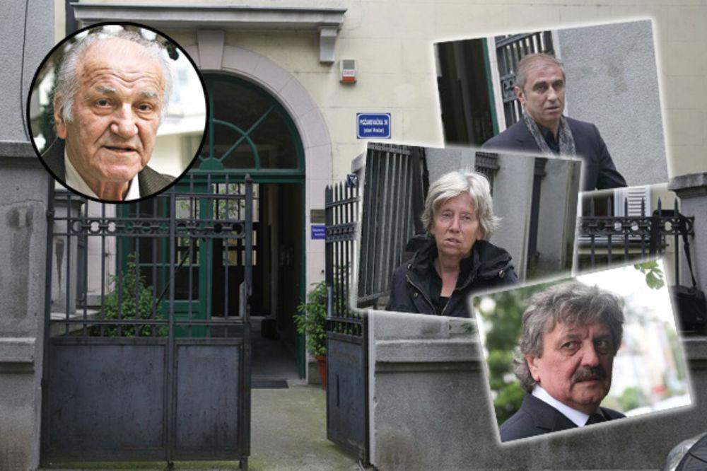 (KURIR TV) POČAST VALTERU: Uplakana kuća Bate Živojinovića, prijatelji i kolege uz porodicu