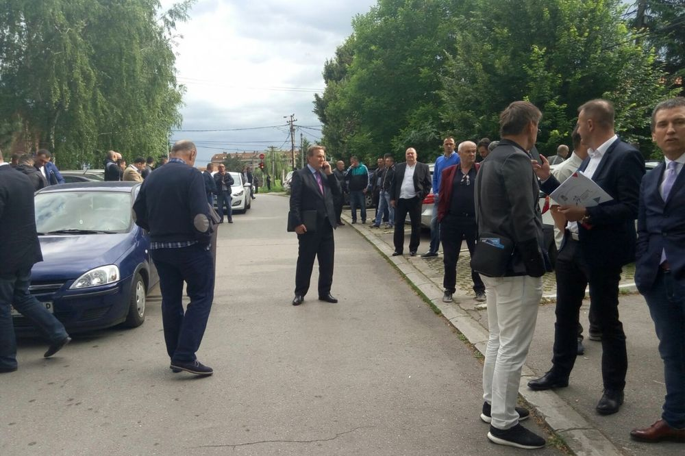 (UŽIVO, VIDEO) IZBORI U PARTIZANU: Sukob Miloša Vazure i Dragana Đurića!