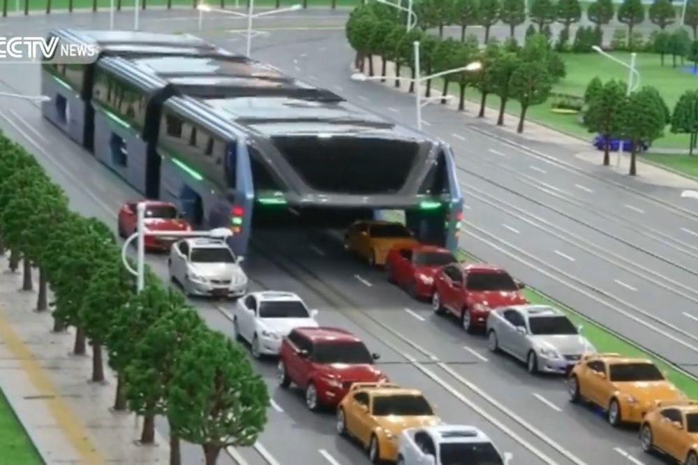 (VIDEO) REVOLUCIJA U GRADSKOM PREVOZU: Novi kineski autobus iskoreniće gužvu u saobraćaju