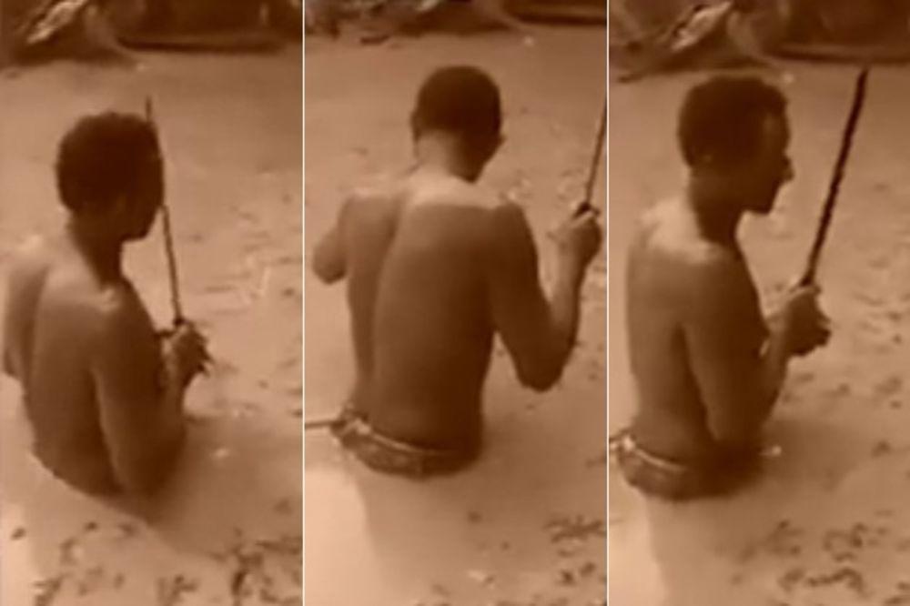 (VIDEO) ŽIVI MAMAC: Ušao je u močvaru a onda mu se desilo nešto bizarno