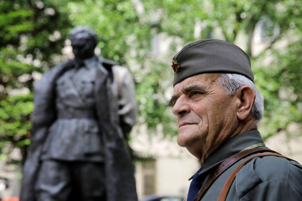 (FOTO) ŽAL ZA JUGOSLAVIJOM: 25. maj obeležen i u Sarajevu