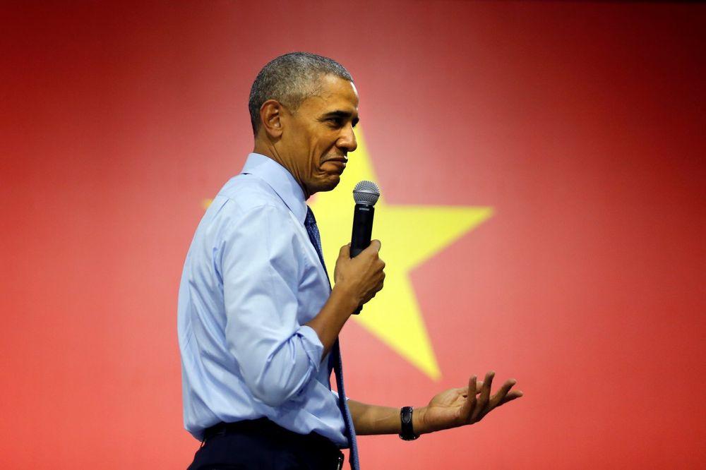 (VIDEO) OBAMA GLUMIO RITAM MAŠINU: Američki predsednik bitboksovao i repovao u Vijetnamu