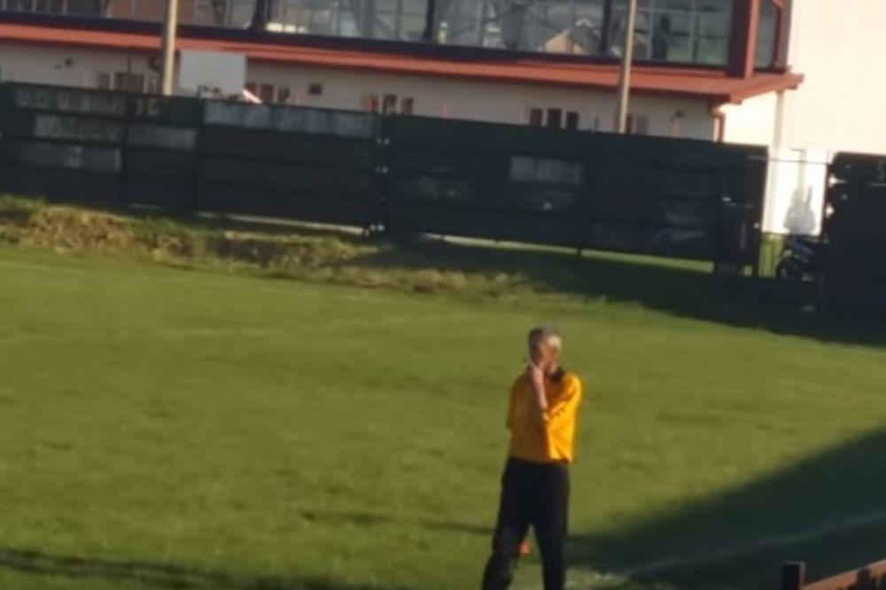 (VIDEO) APSOLUTNI HIT: Linijski sudija pušio za vreme utakmice u Bosni